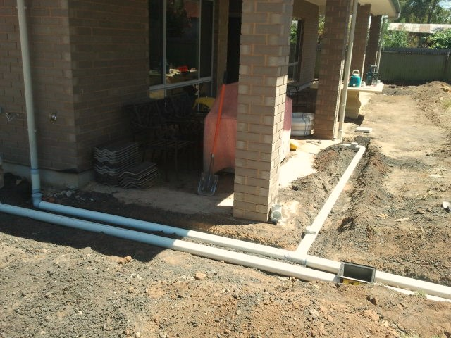 Water Retaining Devices : How to build an engineered retaining wall diy life